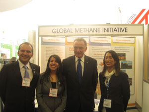Franck Portalupi and Maria Clavijo from Environment Canada with Peter Kent (Canadian Minster of Environment) and Monica Shimamura (ASG) at the GMI booth at GLOBE 2012.
